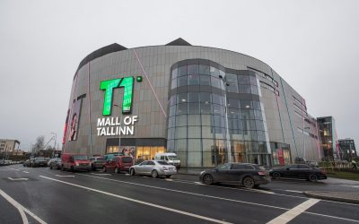 Huge T1 Mall of Tallinn stands with the help of Tamsalu employees